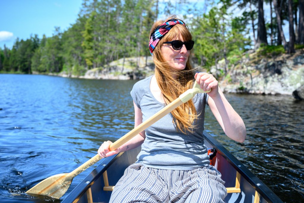 femme canoe