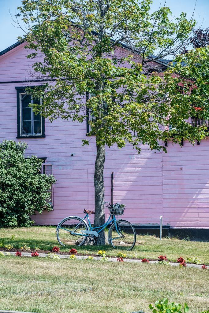 maison rose Tadoussac