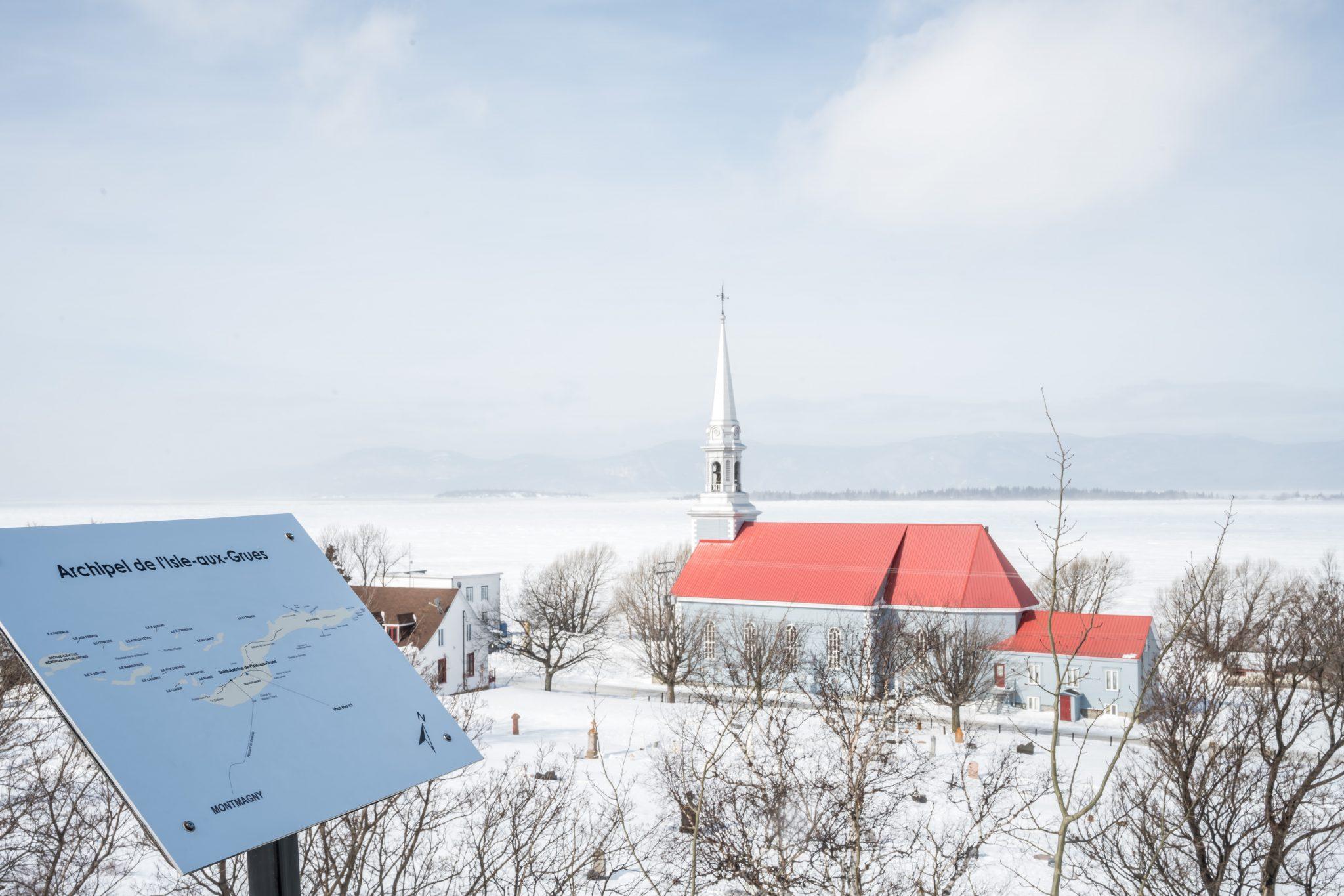 église toit rouge